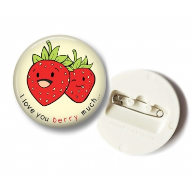 'I Love You Berry Much' Aardbei Button - 36mm